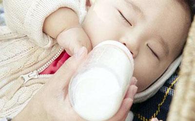 赴美生子如何选择医院和医生?带小婴儿坐飞机需要带哪些物品呢?